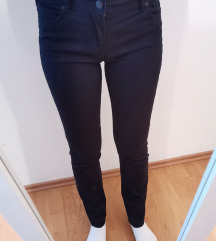 Temno modre hlače