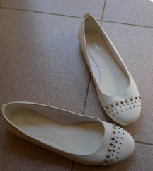 Nove bele balerinke