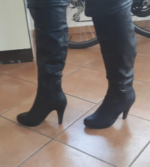 Usnjeni škornji s peto