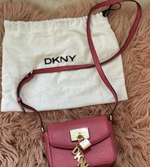 Manjša DKNY torbica (MPC:160€)