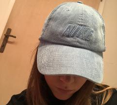 Znižano! Nike vintage kapa