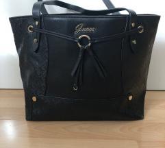 Črna torbica Guess