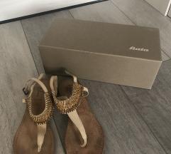 Sandali Bata