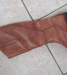 usnjeni škornji Caprice št 39