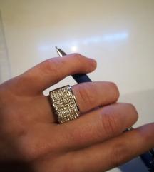 Jeklen prstan s cirkončki