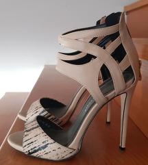 Bež sandali
