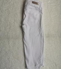 Bele kapri hlače 34-36