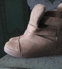 Novi zimski čevlji, 37
