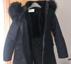 zimska črna jakna