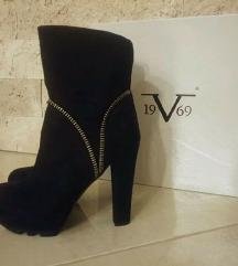 Nizki gležnjarji Versace 37