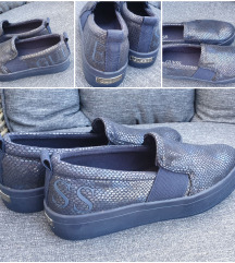 Guess slip on 37/38