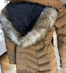 Zara bunda s perjem