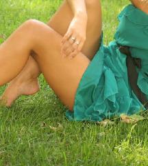 Zelena obleka brez naramnic s