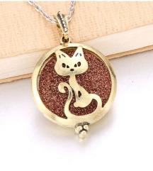 mačji  medaljon ogrlica