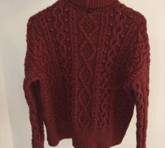 Rdeč pulover