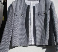 Črno-bela jaknica