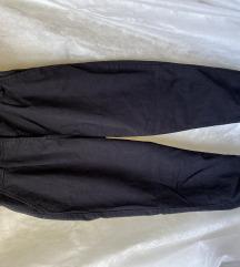 Črne hlače