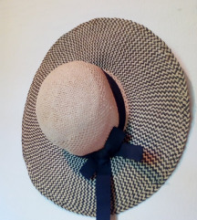 damski klobuk