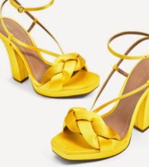 Zara sandali s peto Satin