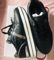 Rez.Novi orig. čevlji Guess, mpc 135 eur