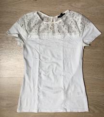 Umazano bela kratka majica s cipko