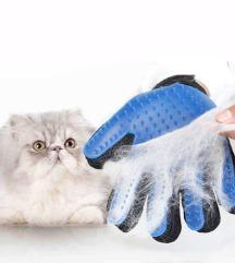 Nova rokavica za česanje