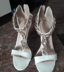 ženska obutev čevlji sandali pete balerinke 37