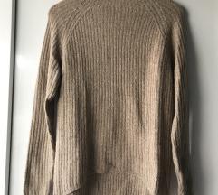 Beige pulover