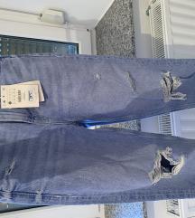 Nove kavbojke mom jeans ZNIŽANO na 13€ REZERVIRANO