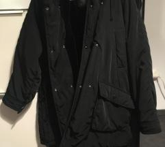 Črna jakna