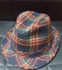 klobuček-karo