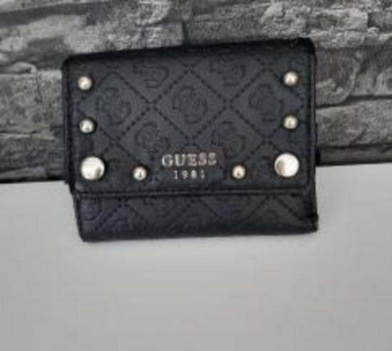 Denarnica Guess znizano 20 €