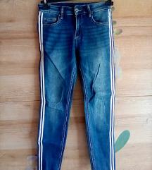 Jeans nove z etiketo