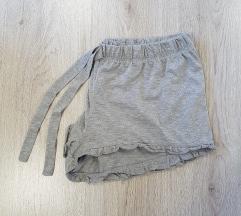 sive kratke hlače