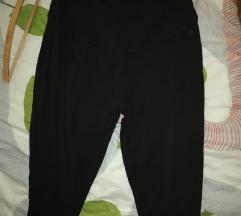 Kapri hlače za nosečnice