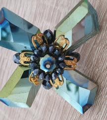 Nastavljiv prstan iz kristalov