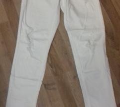 Modne jeans strgane hlace 28/32