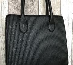 Črna torbica za v službo