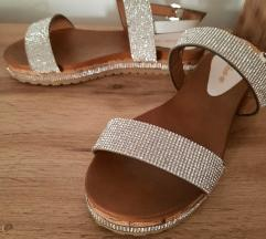 Ženski sandali s kristalčki (37)