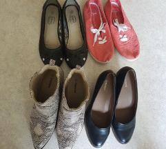 pete, škornji, balerinke in nizki čevlji