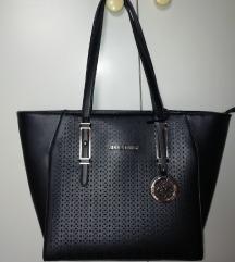 Črna ženska torba + darilo *ne menjam*