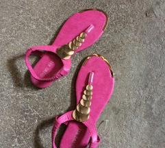 Novi roza sandali