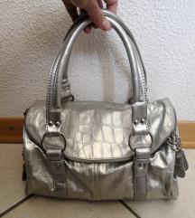 srebrna nova torbica