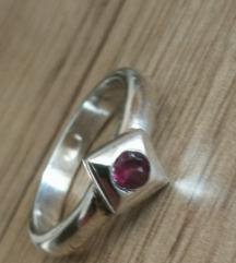 Srebrni prstan turmalin