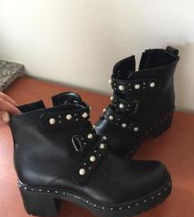 Škornji novo