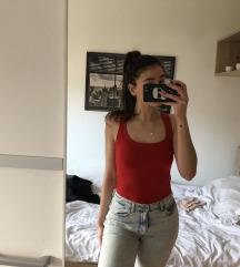 Rdeča majica brez rokavov