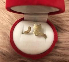 simpatičen nastavljiv prstan muca