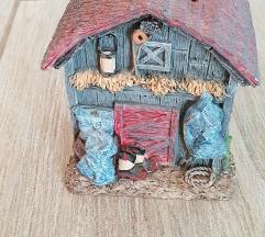 Hranilnik za kovance hiška