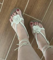 Beli nizki sandali