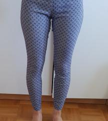 Modre vzorčaste hlače